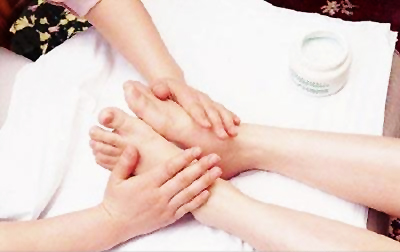 The detailed process of how to do foot massage, Shiatsu Foot Massager