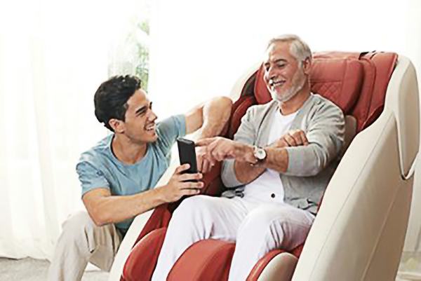 massage chairs manufacturer, massager manufacturer, Which people are not suitable for using massage chair, using massage chair, how to use massage chair, safe use of massage chair, attention points of using massage chair, how to use massage chair safely, the reasons of not suitable for using massage chair, using massage chair accident, buy massage chair